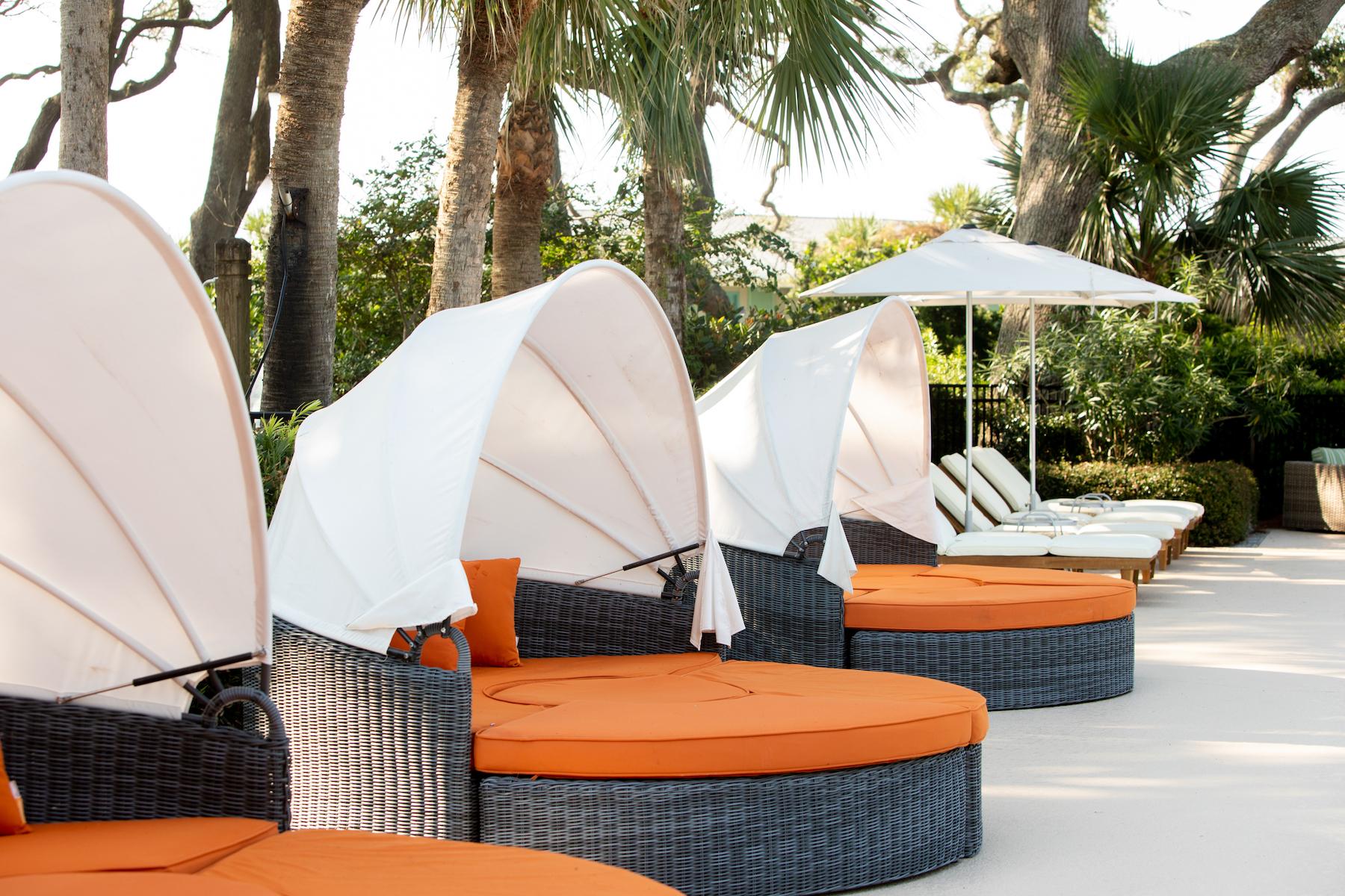 Beachview Club Pool Cabana