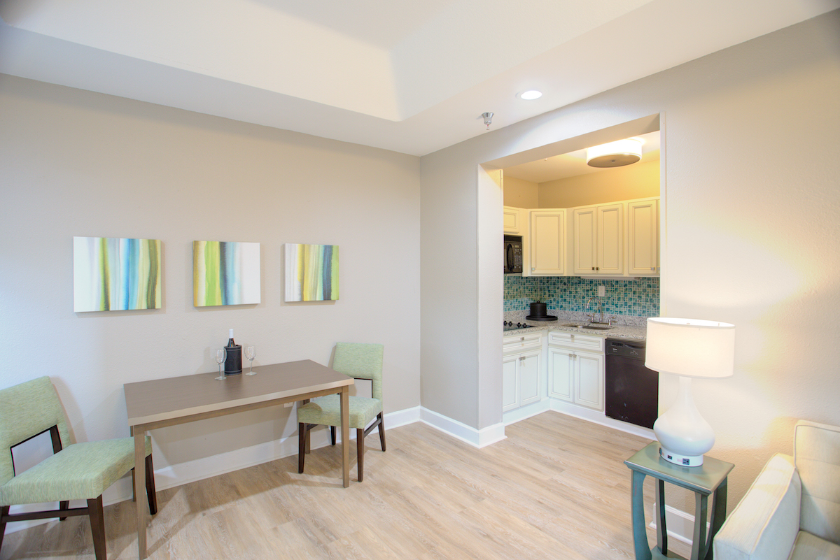 1 bedroom suite dining table & kitchen