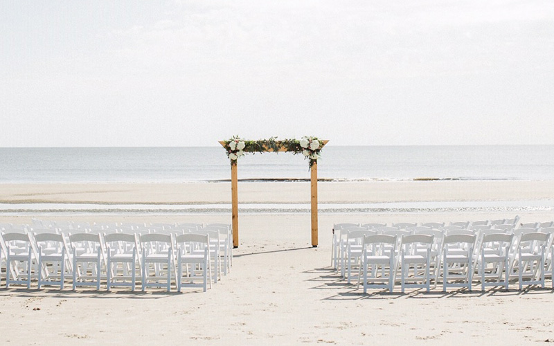 Holiday-Inn-Jekyll-Island-Wedding-Venue-on-beach-mobile